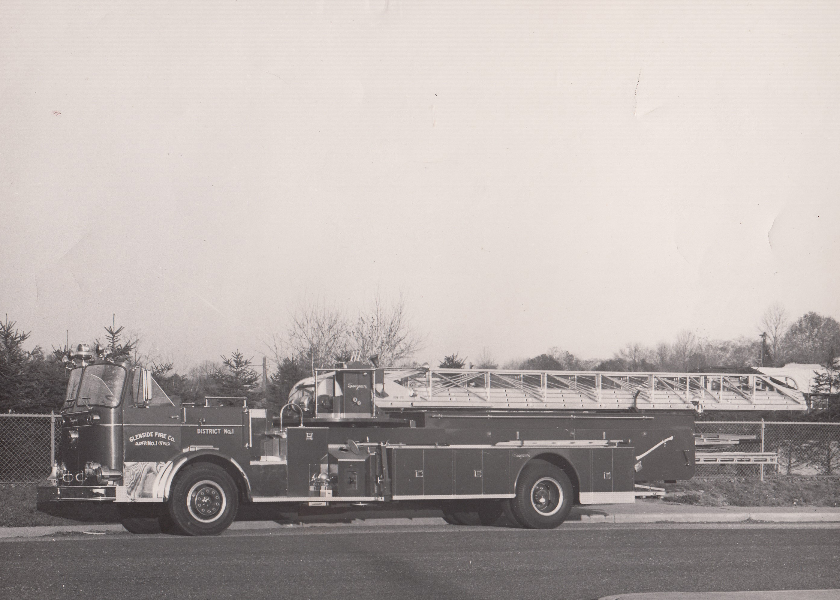 1963 Seagrave 100ft. Ladder Truck